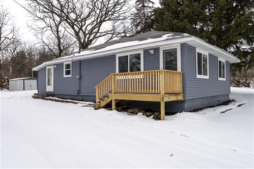 Photo of N3415 Queen Rd, Geneva, WI 53147 (MLS # 1724291)
