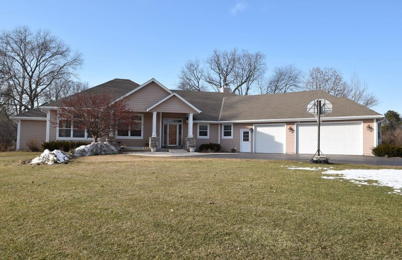 W137S6955 Clarendon Pl, Muskego, WI 53150 - #: 1679297
