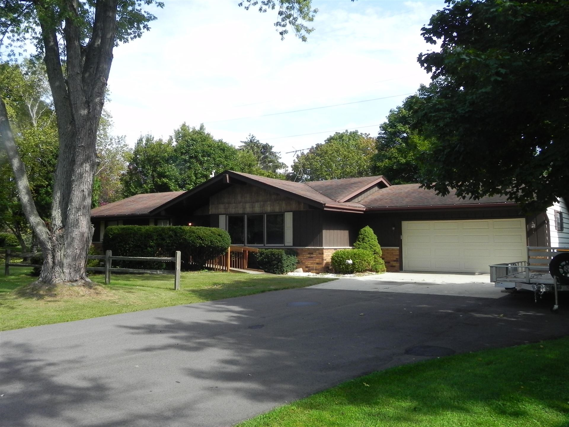 340 Stonefield Dr, Cedarburg, WI 53012 - #: 1766299