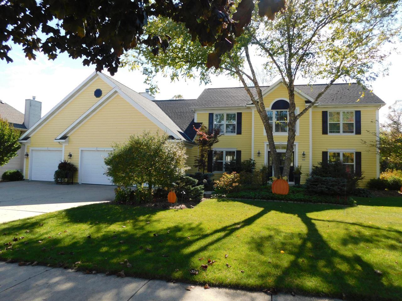 453 Deerwood Ct, Grafton, WI 53024 - #: 1768321