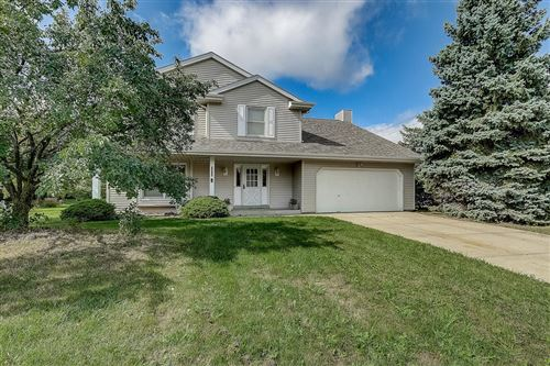 Photo of 7101 Countryside Dr, Franklin, WI 53132 (MLS # 1712330)