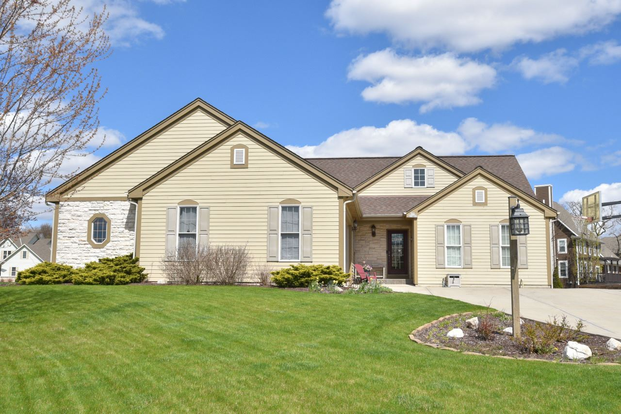 N77W23057 Coldwater Cir, Sussex, WI 53089 - #: 1688332