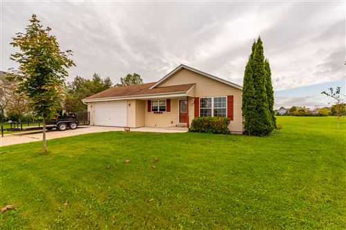 Photo of 285 Highland Dr, Belgium, WI 53004 (MLS # 1712335)