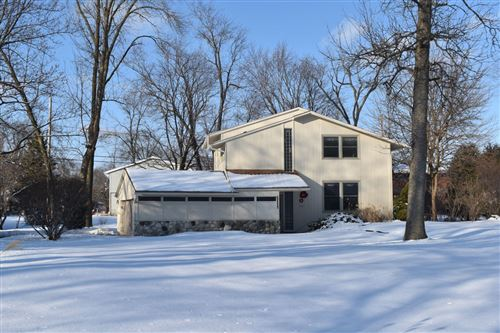 Photo of 21430 Astolat Dr, Brookfield, WI 53045 (MLS # 1677337)