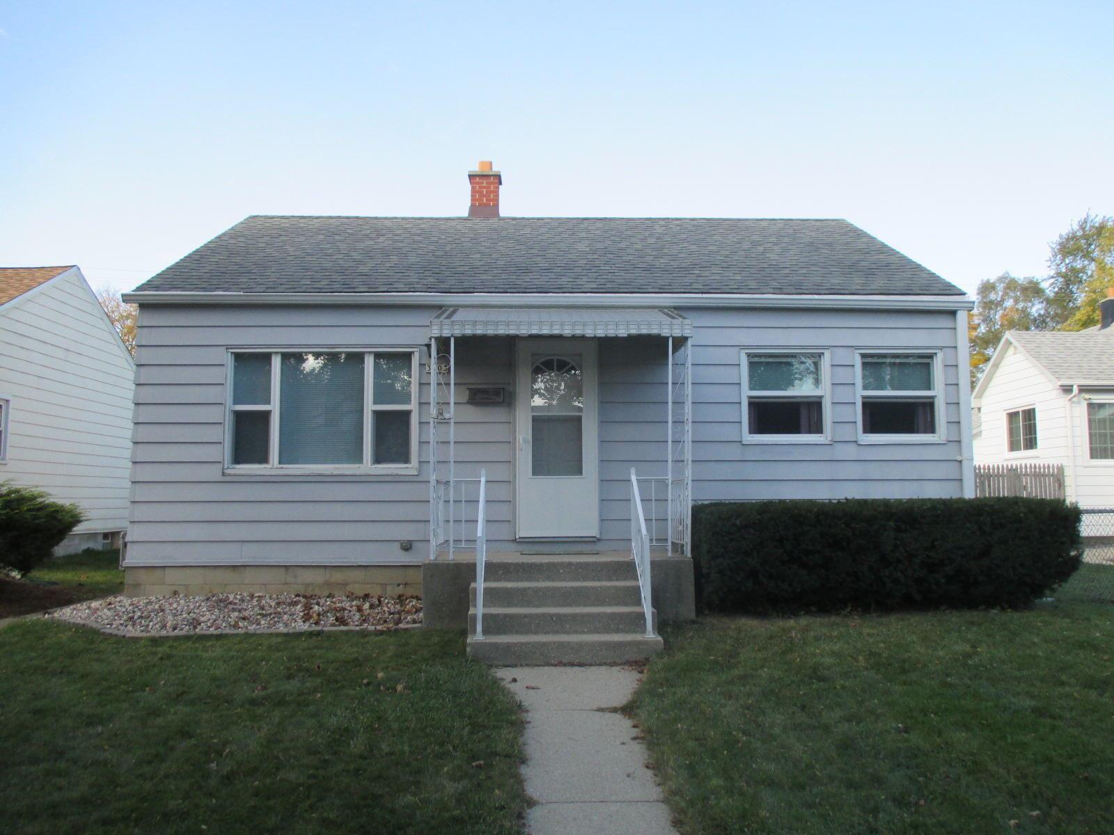 3803 S Lenox St, Milwaukee, WI 53207 - #: 1715339