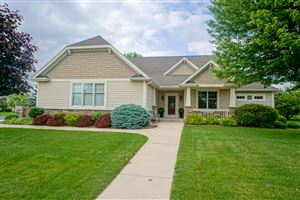 Photo of 1840 Springhouse Dr, Oconomowoc, WI 53066 (MLS # 1643341)