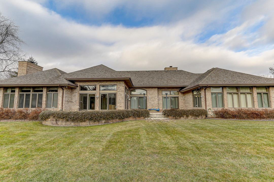 6309 Parkview Rd, Greendale, WI 53129 - #: 1670342