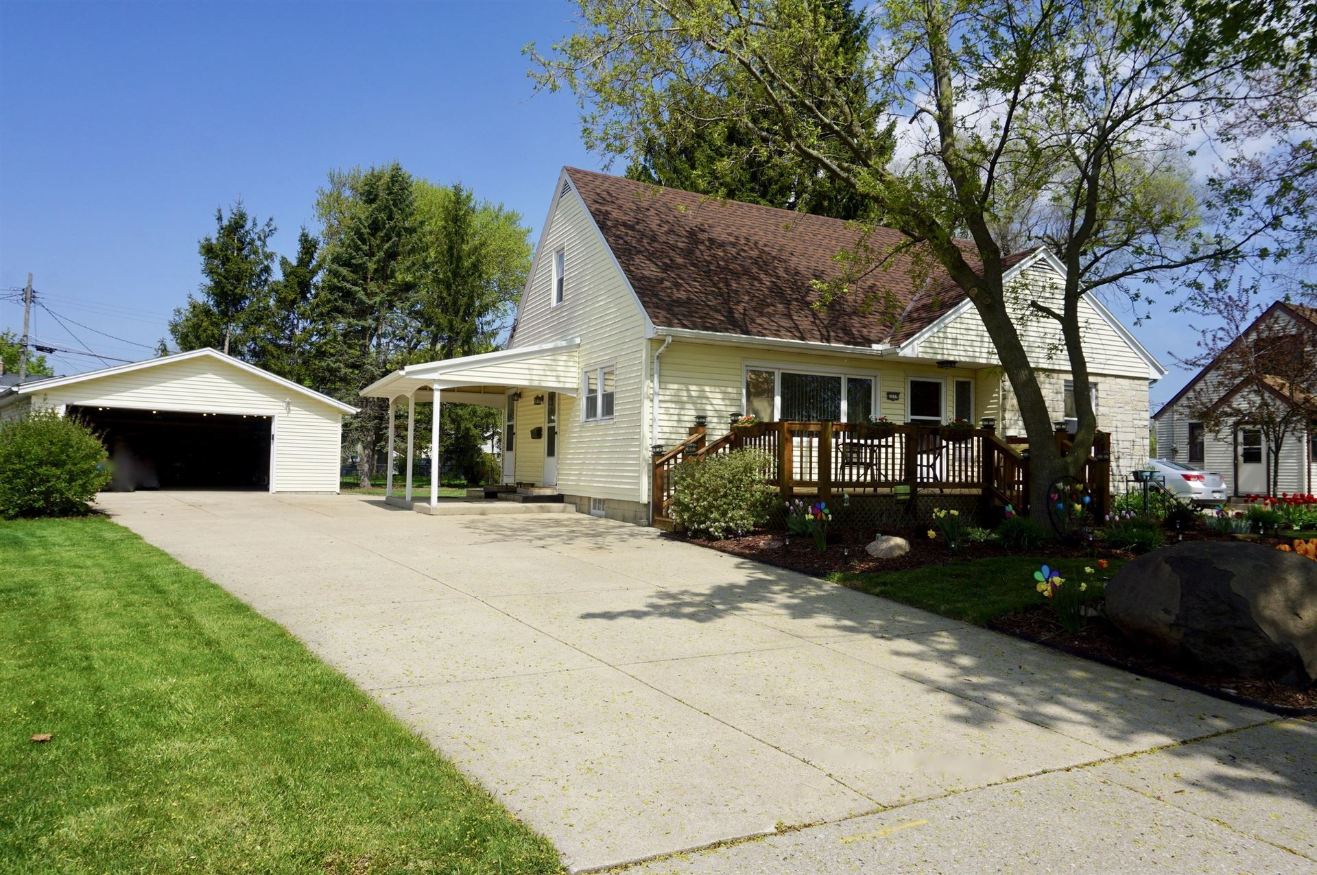 3379 S 64th St, Milwaukee, WI 53219 - #: 1689343