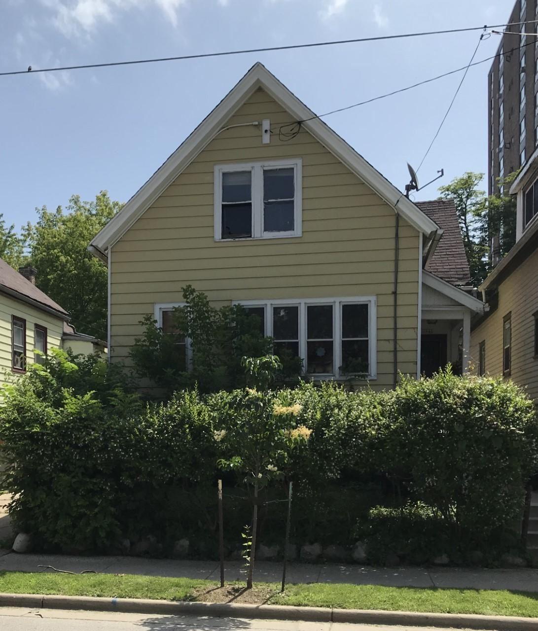1846 N Warren Ave, Milwaukee, WI 53202 - #: 1698344