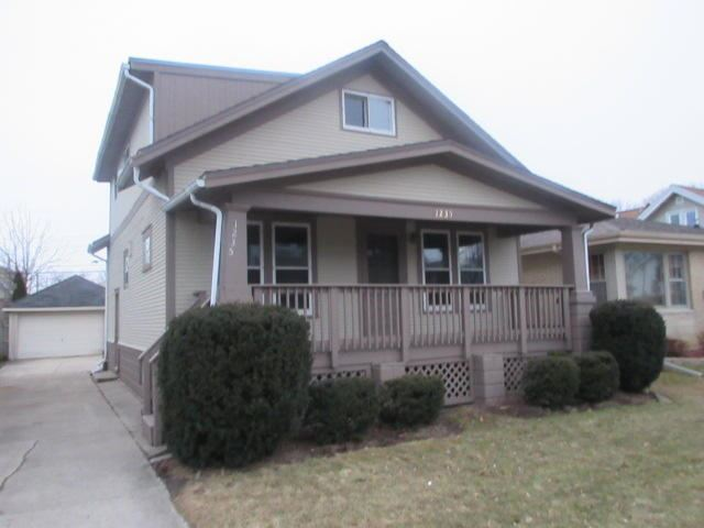 1235 William St, Racine, WI 53402 - #: 1681348