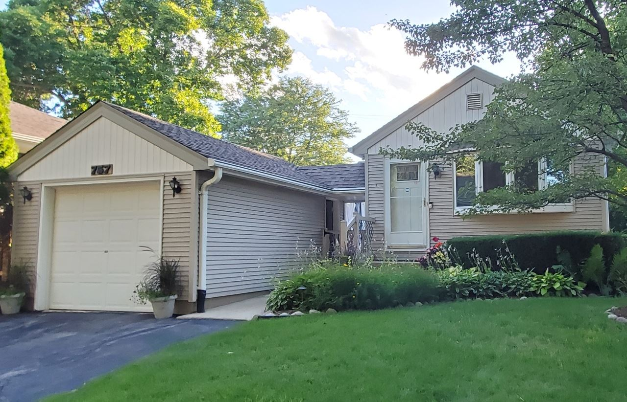 757 N 114th St, Wauwatosa, WI 53226 - #: 1701359