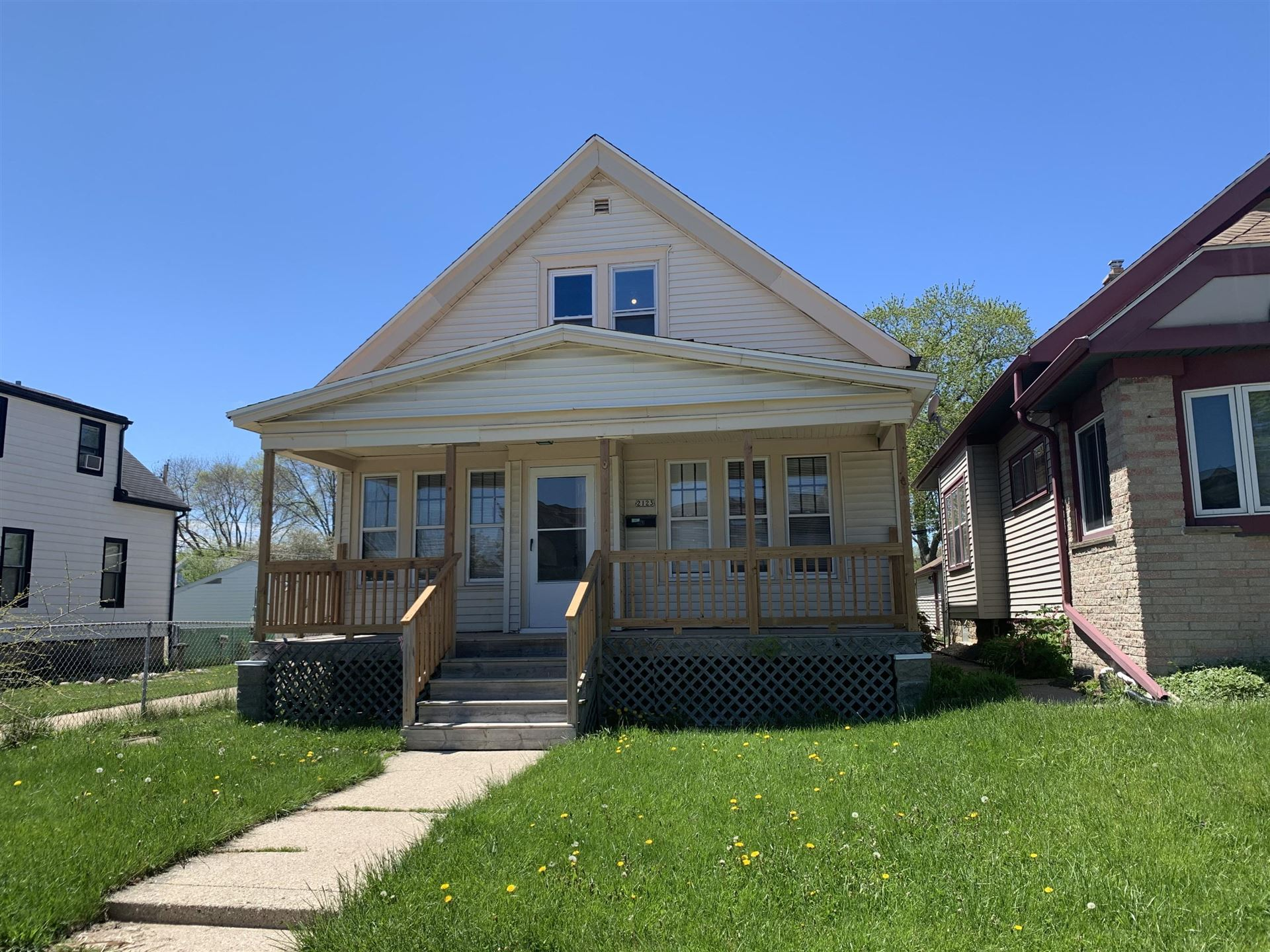 2123 S 74Th St, West Allis, WI 53219 - #: 1690365