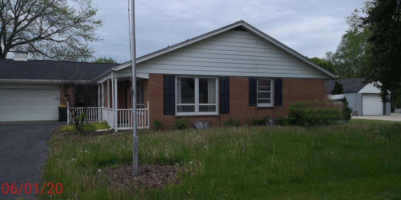 201 E Clay St, Saukville, WI 53080 - #: 1681370