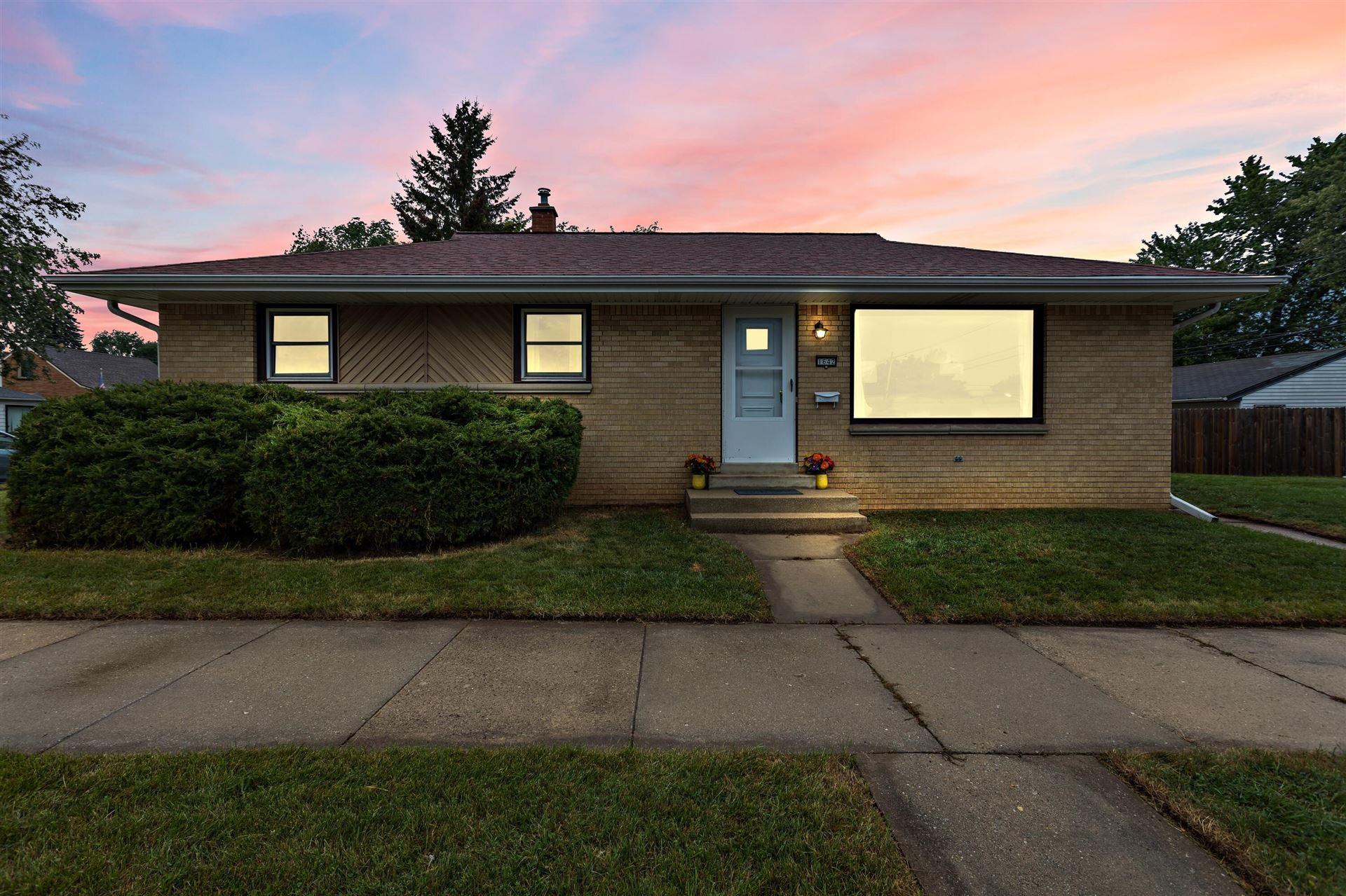 1642 Minnesota AVE, South Milwaukee, WI 53172 - MLS#: 1762371