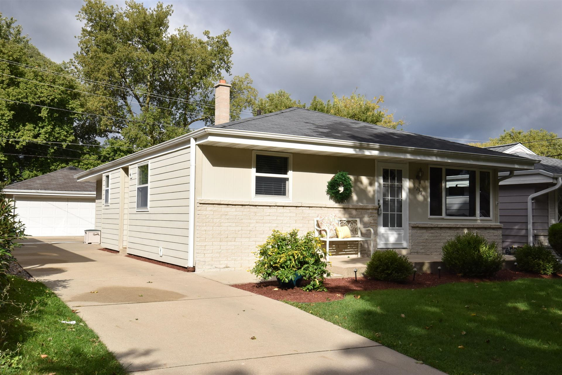 6239 S 26th ST, Milwaukee, WI 53221 - #: 1709384