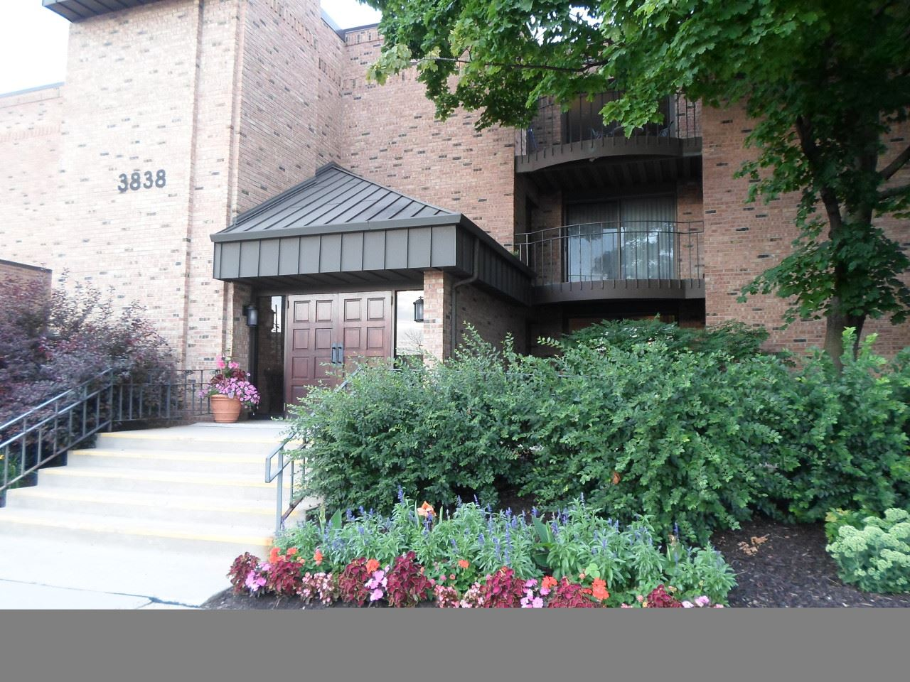 3838 N Oakland Ave #175, Shorewood, WI 53211 - #: 1700385