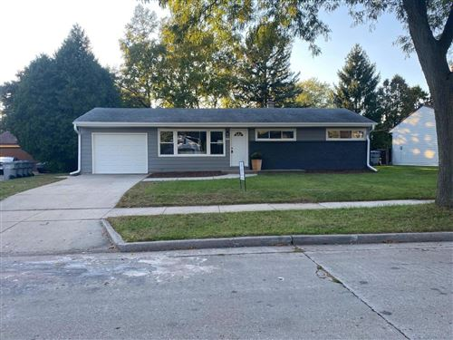 Photo of 6555 N 58th St, Milwaukee, WI 53223 (MLS # 1720390)