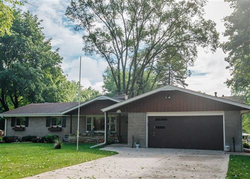 Photo of W202N11448 Merkel Dr, Germantown, WI 53022 (MLS # 1698391)