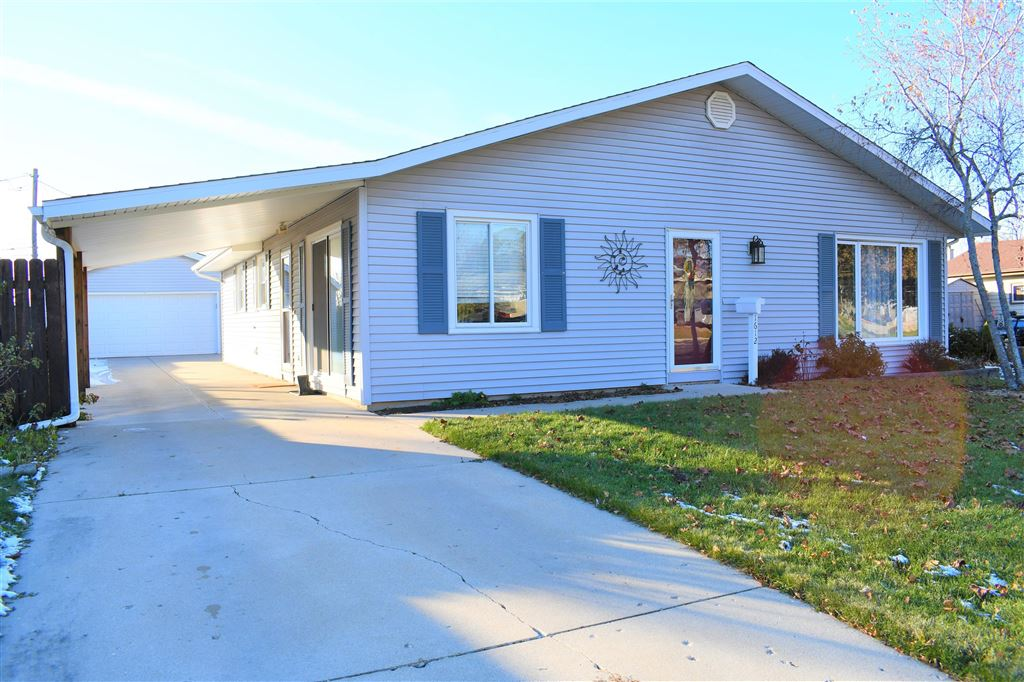 1612 State St, Union Grove, WI 53182 - #: 1667392