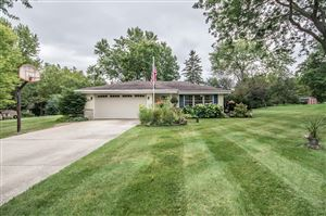 Photo of N66W28519 Long View ST, Merton, WI 53029 (MLS # 1659401)