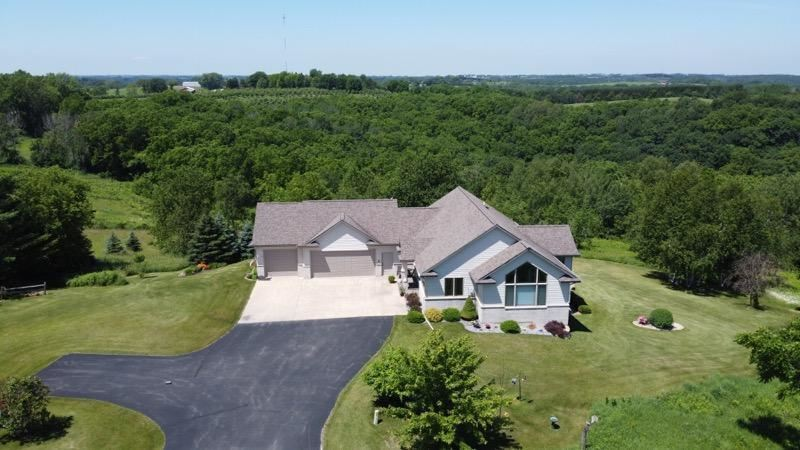 46176 Oak Hill Dr, La Crescent, MN 55947 - MLS#: 1697402