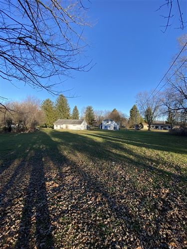 Photo of 141 S Cushing Park Rd, Delafield, WI 53018 (MLS # 1720409)