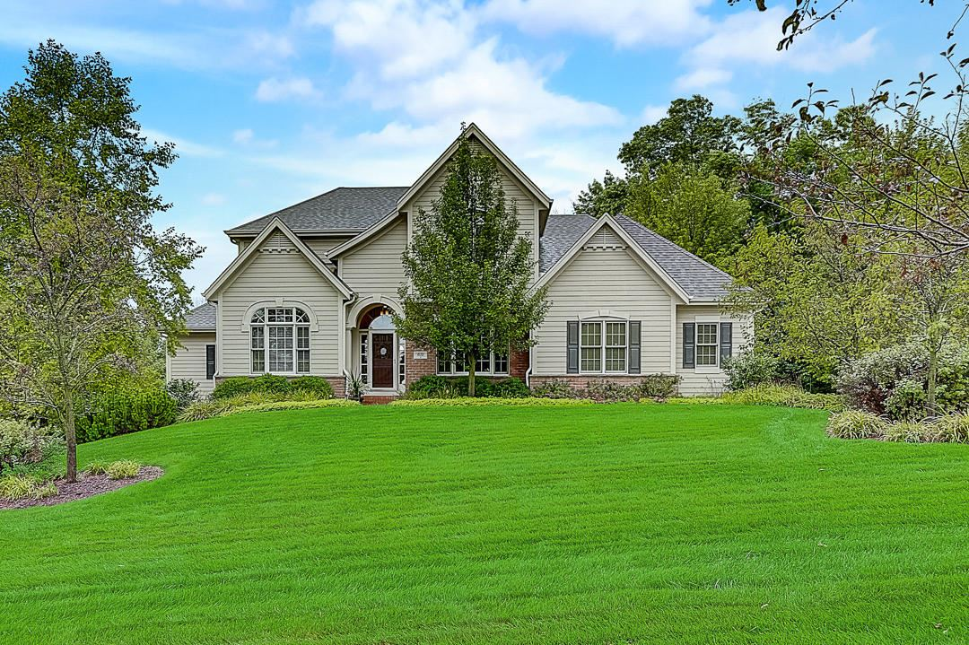 631 Stepping Stone Way, Pewaukee, WI 53072 - #: 1702413