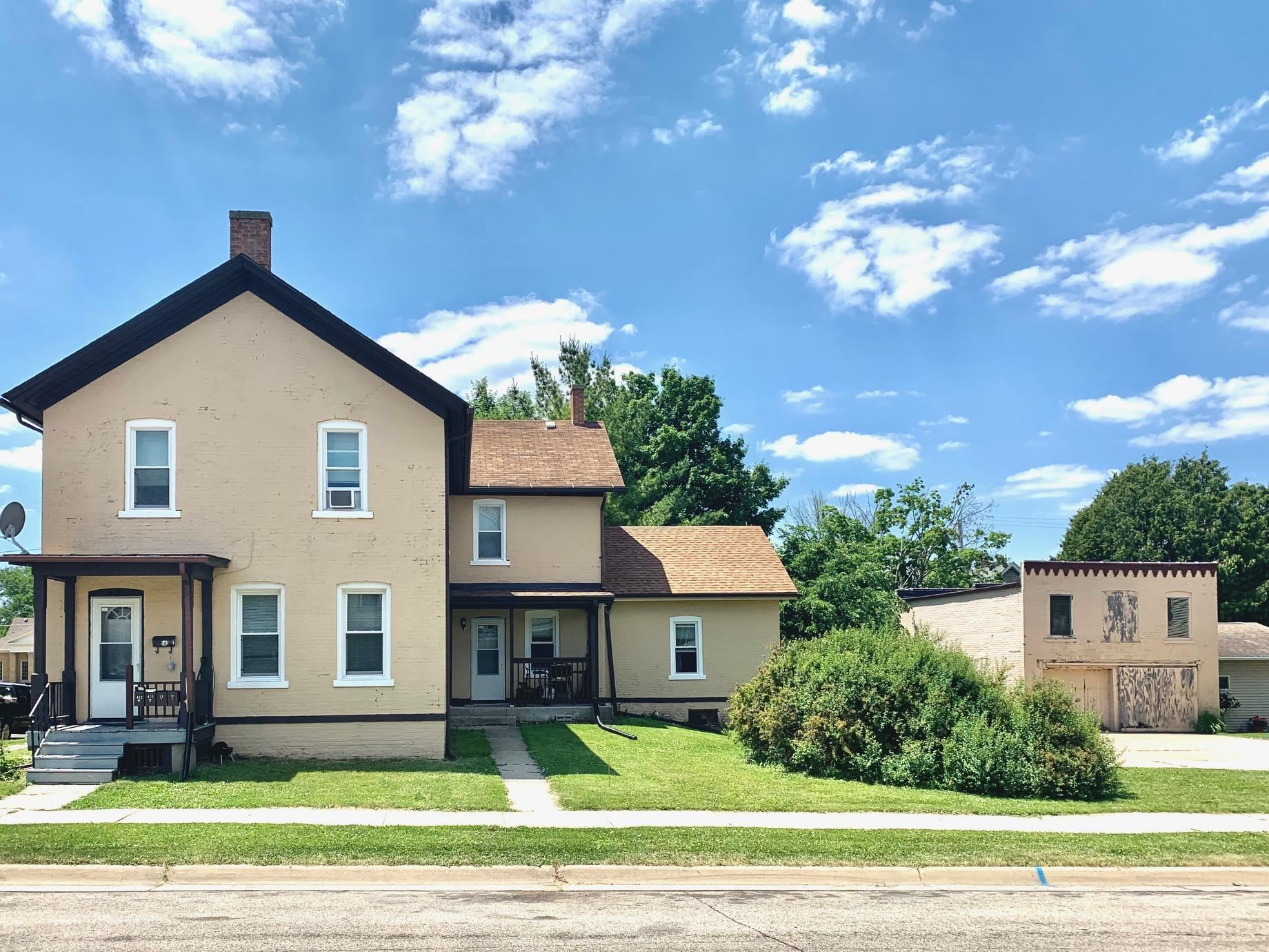 410 S Sixth St, Watertown, WI 53094 - #: 1698418