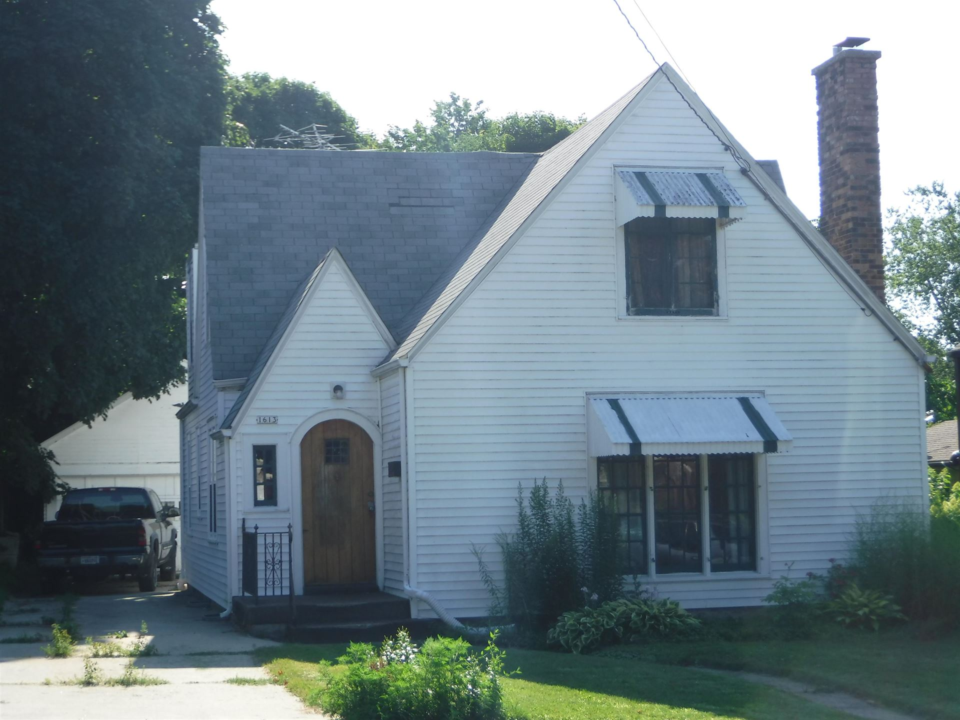 1613 S 12th St, Manitowoc, WI 54220 - #: 1720422