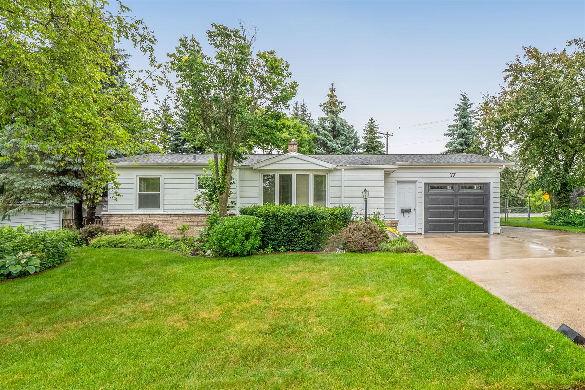 17 Fond Du Lac Ave, Plymouth, WI 53073 - MLS#: 1751424