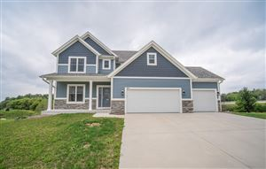 Photo of 3276 Heartlake Cir, Hartford, WI 53027 (MLS # 1627425)