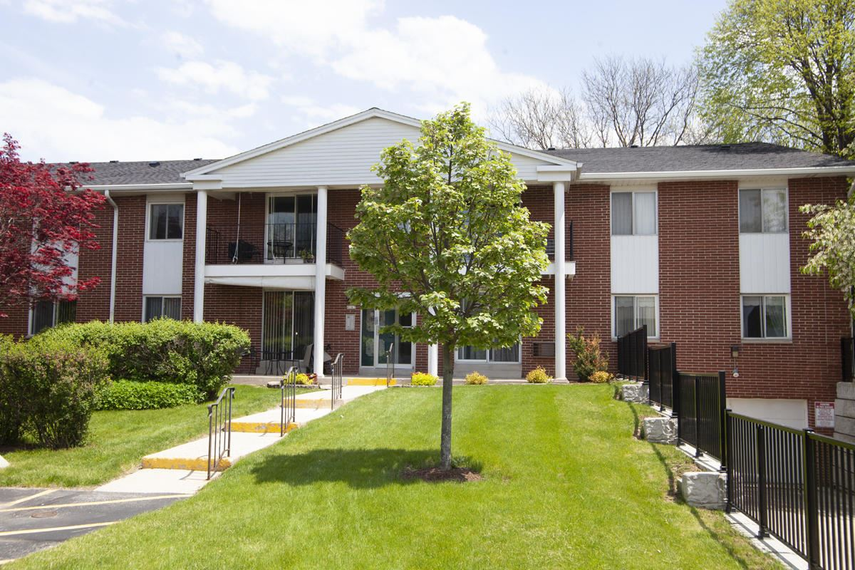 6167 W Howard Ave #10, Greenfield, WI 53220 - #: 1690427