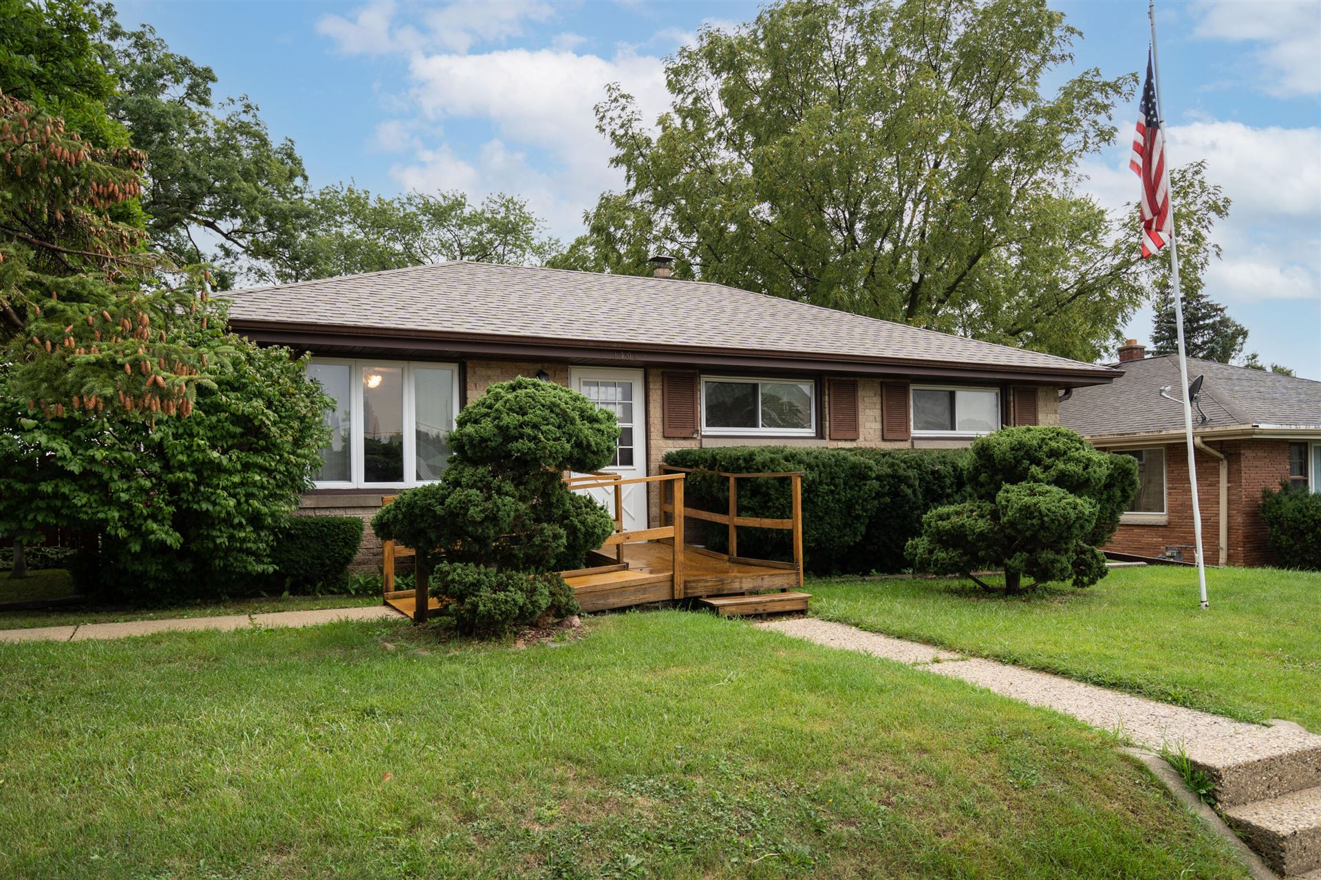 1301 Manitowoc Ave, South Milwaukee, WI 53172 - MLS#: 1763428