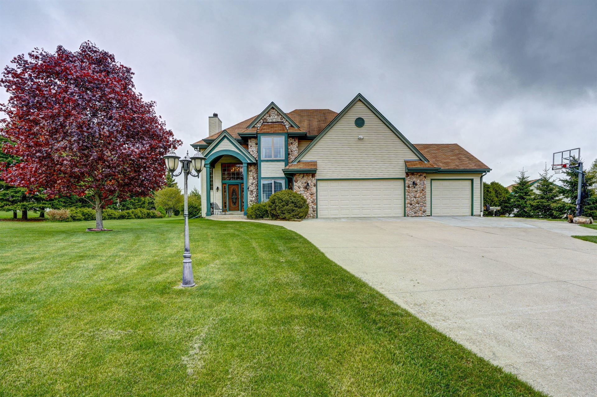 5111 Plateau Ct, Waterford, WI 53185 - #: 1690433