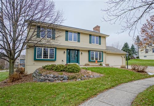 Photo of 1204 Highpoint Ln, Waukesha, WI 53189 (MLS # 1668434)