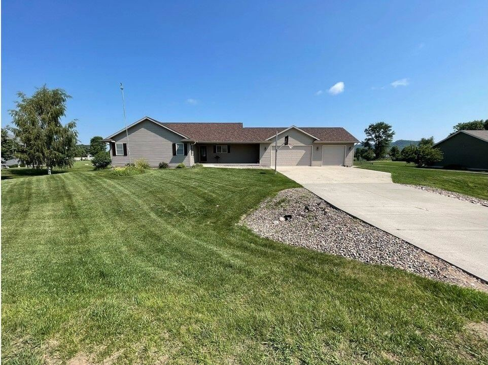 W7946 Prairie Meadows St, Holland, WI 54636 - MLS#: 1750443