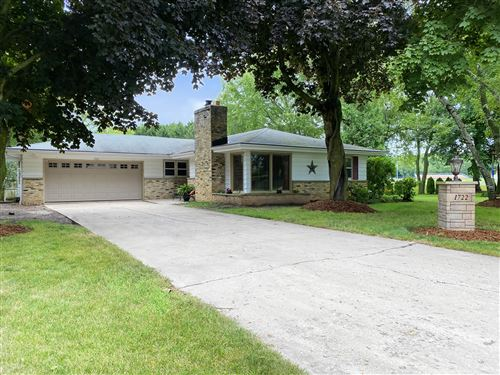Photo of 1722 River Knoll Ct, Grafton, WI 53024 (MLS # 1702445)