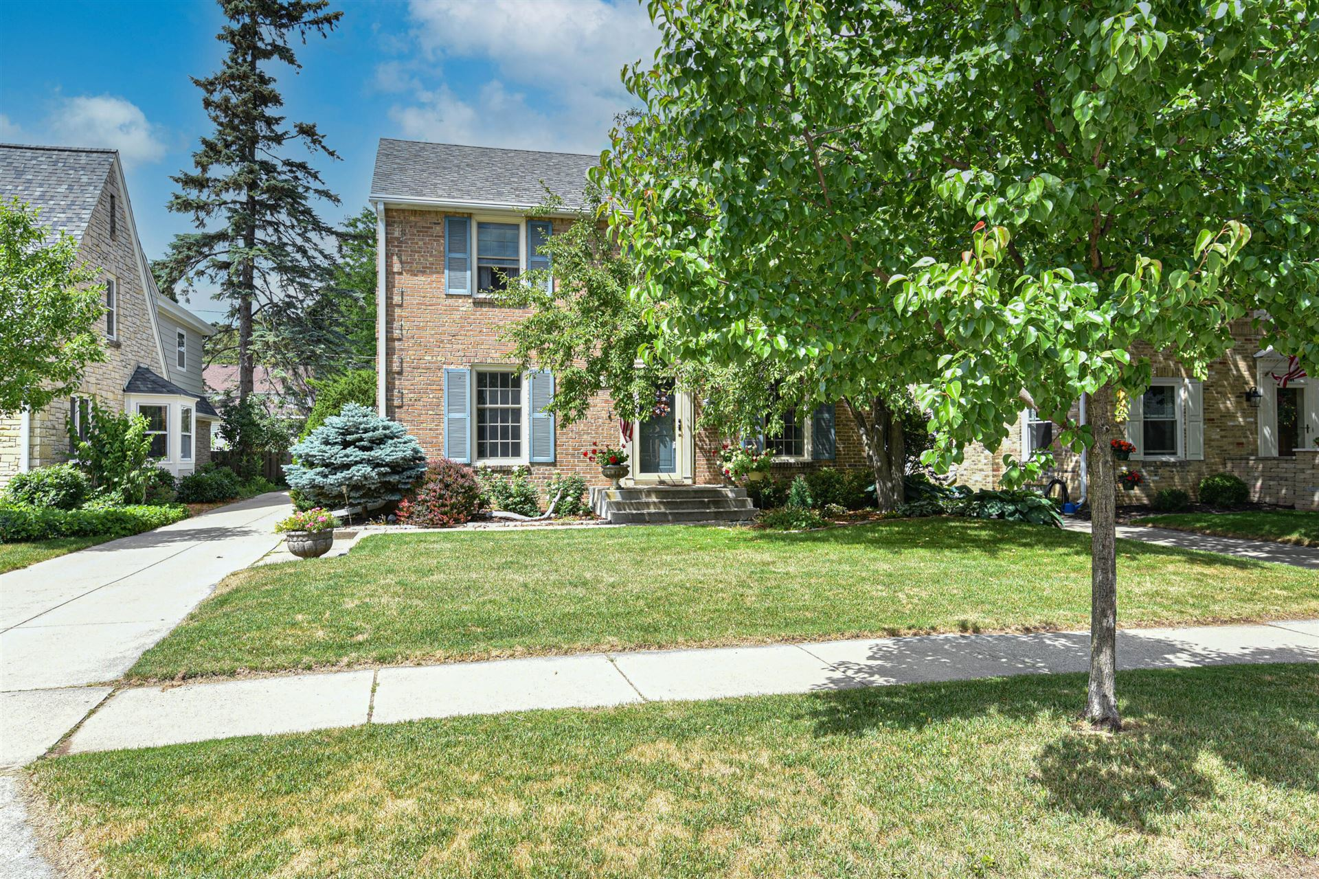 9412 Beverly Pl, Wauwatosa, WI 53226 - MLS#: 1751450