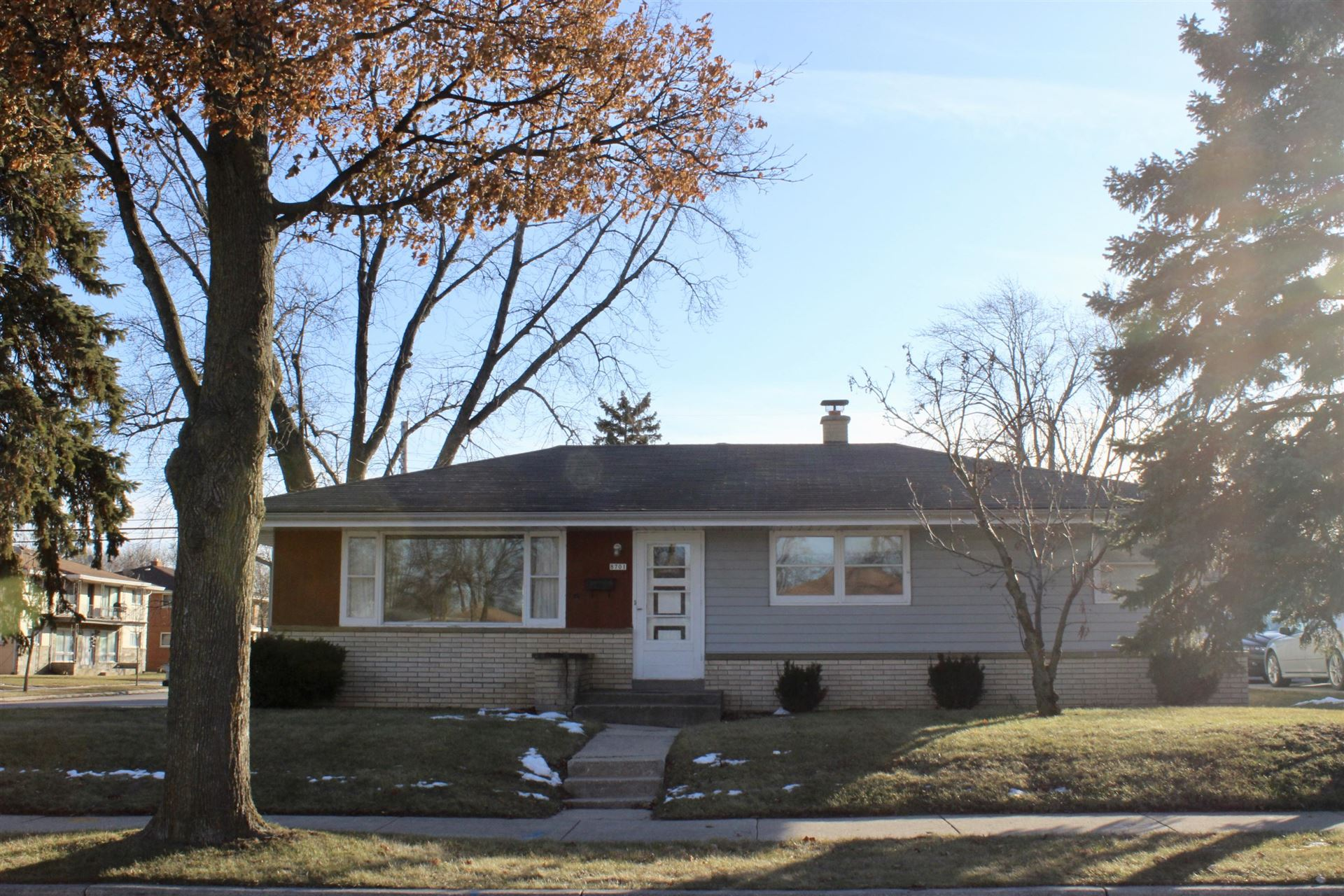 8701 W Brentwood Ave, Milwaukee, WI 53224 - #: 1672457