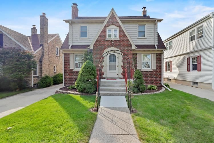 2035 N 86th St, Wauwatosa, WI 53226 - #: 1711460