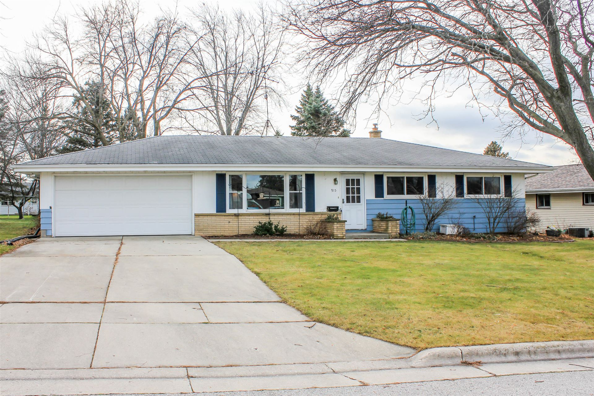 915 Anton Rd, Plymouth, WI 53073 - #: 1720463