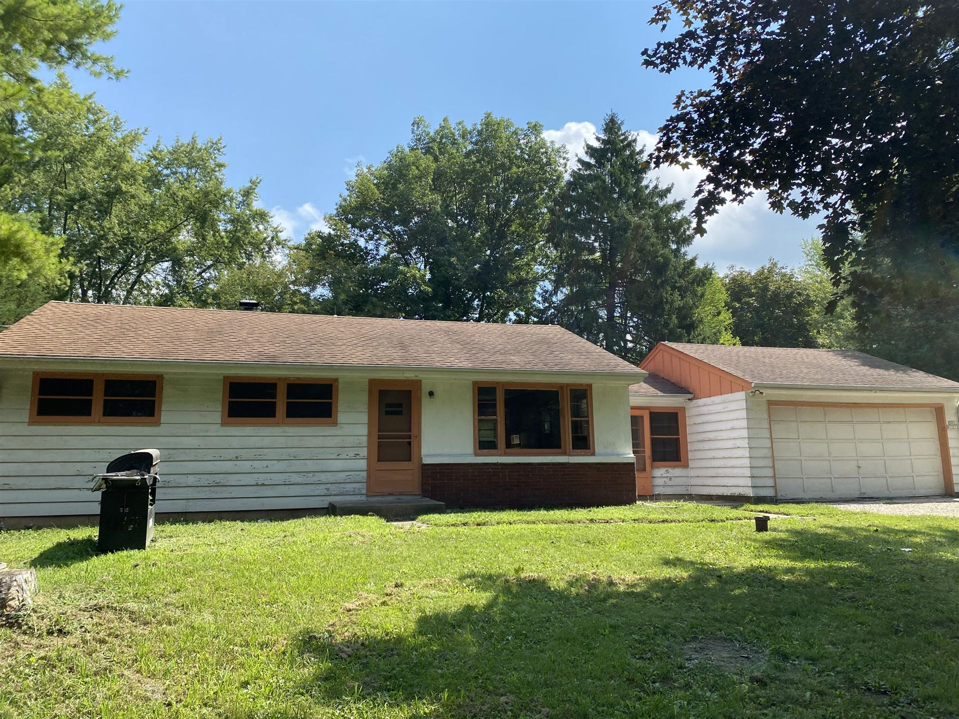 S82W13212 Acker Dr, Muskego, WI 53150 - #: 1703471