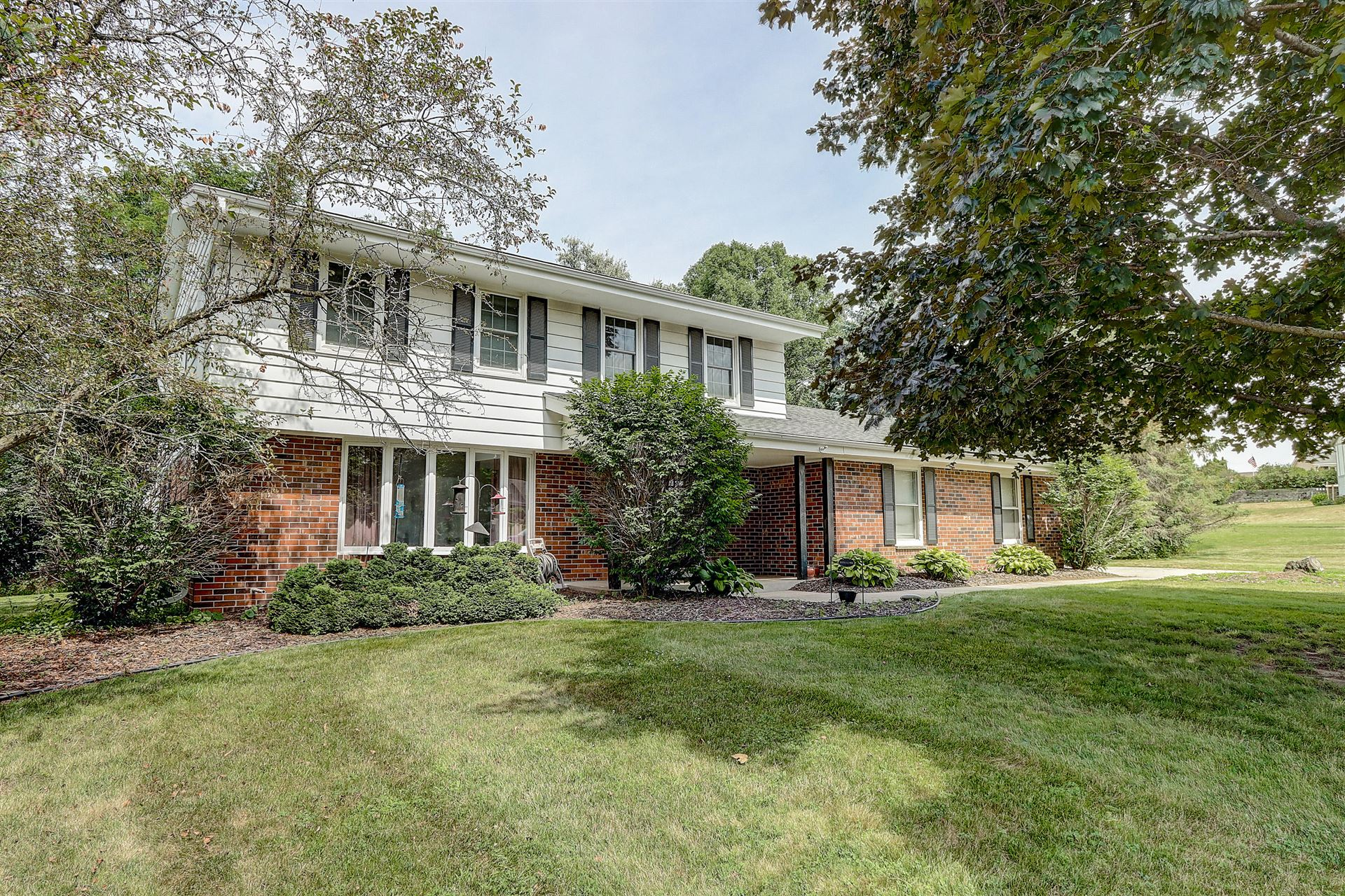 1075 Thornridge Ct, Brookfield, WI 53045 - #: 1699472