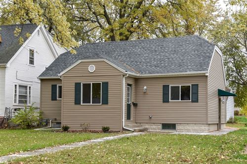 Photo of 814 S 96th St, West Allis, WI 53214 (MLS # 1716480)