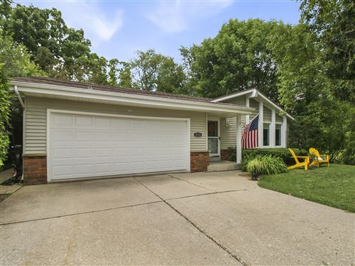 Photo of 5133 W Leroy Ave, Greenfield, WI 53220 (MLS # 1698482)