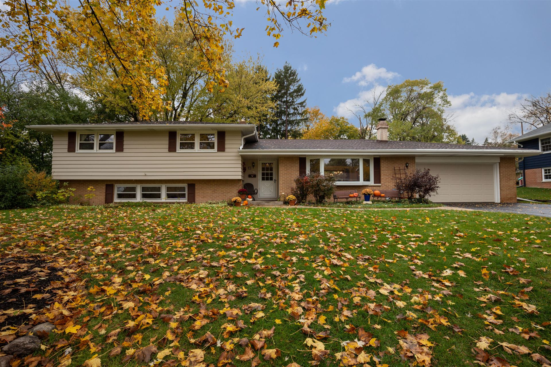 419 Alta Loma Dr, Thiensville, WI 53092 - #: 1715482