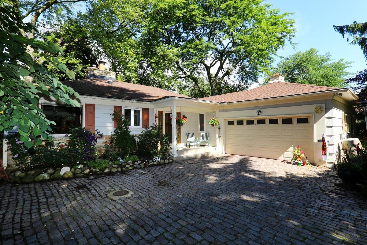 1125 Lone Tree Rd, Elm Grove, WI 53122 - #: 1699487