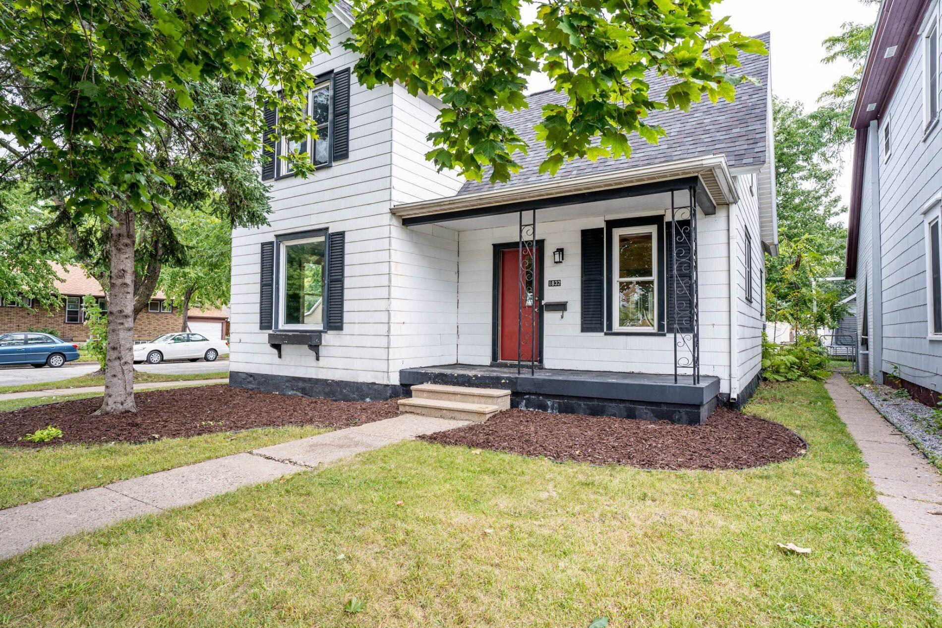 1832 Wood St, La Crosse, WI 54603 - MLS#: 1766492