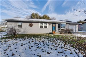 Photo of 1609 Carlson Pl, Watertown, WI 53094 (MLS # 1667499)
