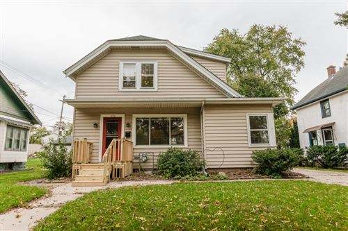Photo of 618 N 62nd St, Wauwatosa, WI 53213 (MLS # 1768499)